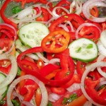 Салат из огурцов, перцев и помидор